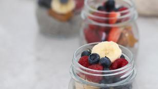 Budino di semi di chia con frutta fresca | Vegan