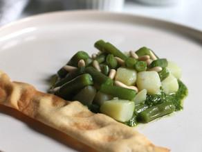 PASQUA VEGAN - Insalata di patate e fagiolini su letto di pesto alla genovese