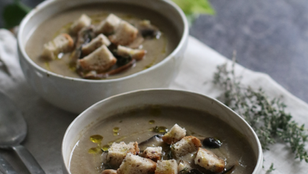Vellutata di funghi e patate | Ricetta vegana, facile e gustosa