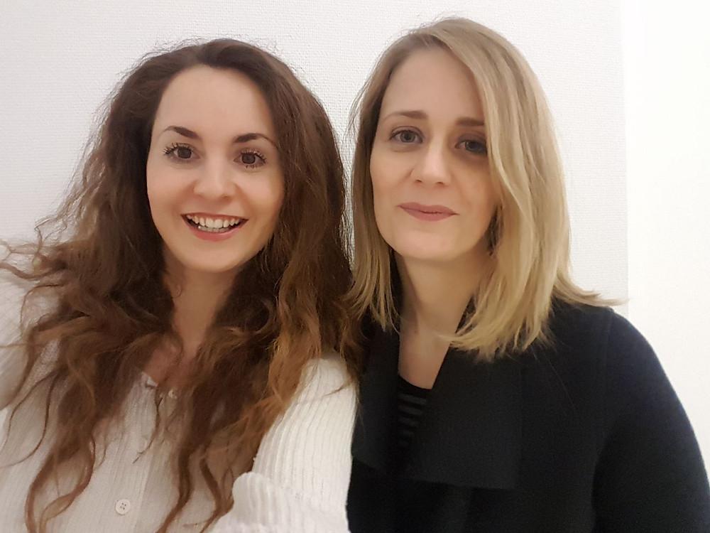 Selfie von zwei jungen Frauen