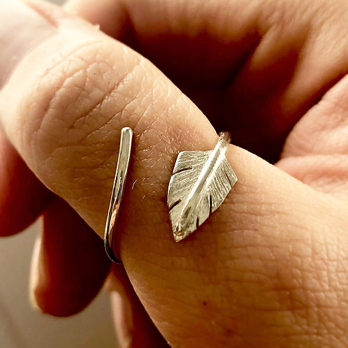 Silver Feather quill adjustable ring. Unisex thumb ring, autumn