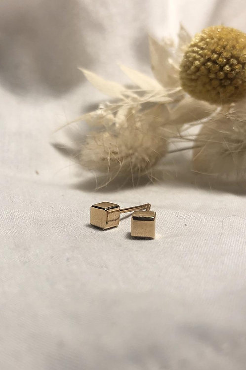 Solid gold modern cube earrings 9ct, minimal, geometric, cute, everyday wear.