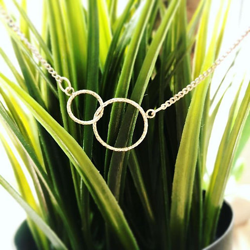 Silver diamond cut linked circle necklace-modern minimalist.