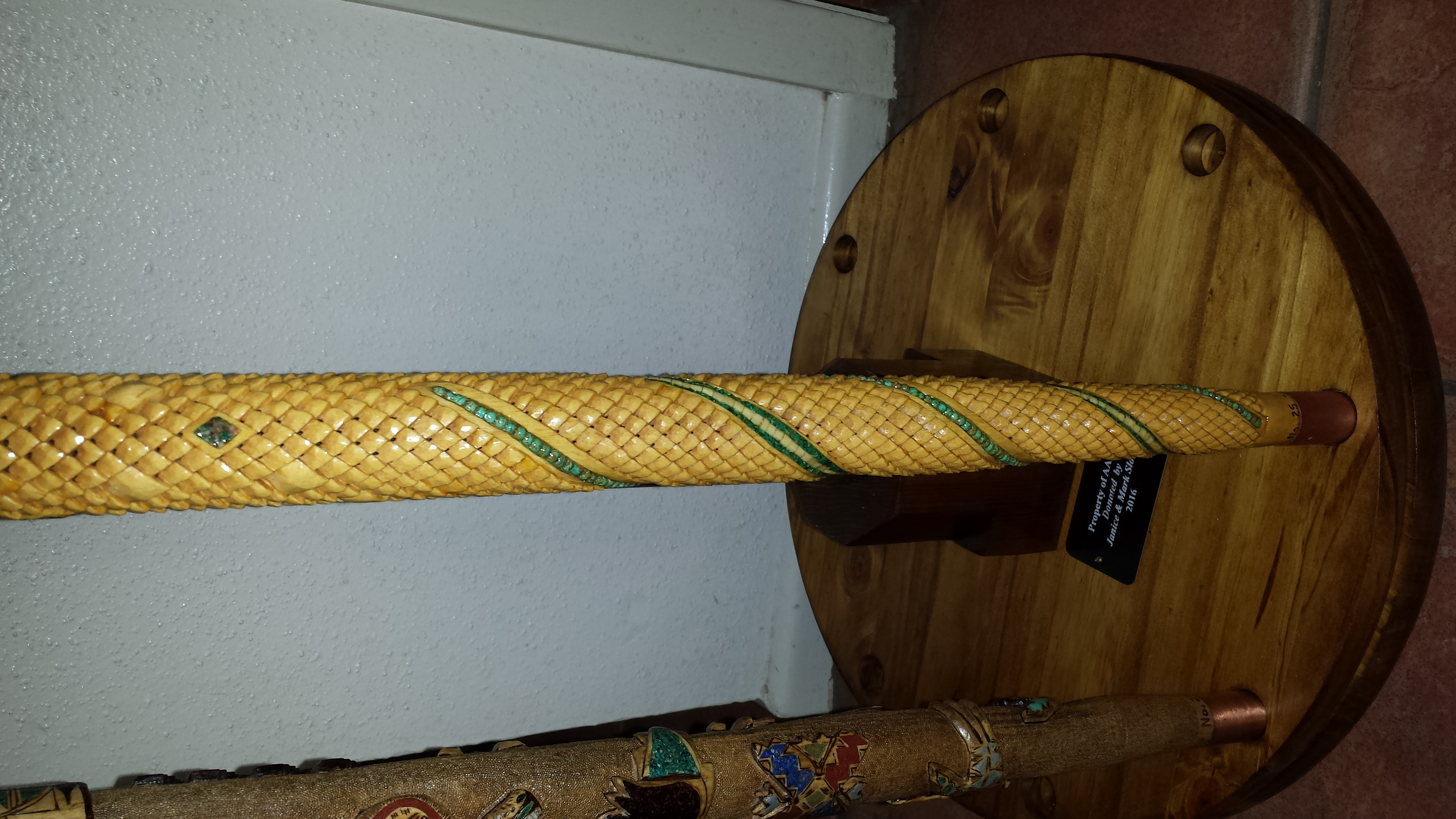 Pinecone w/ Spirals Cane