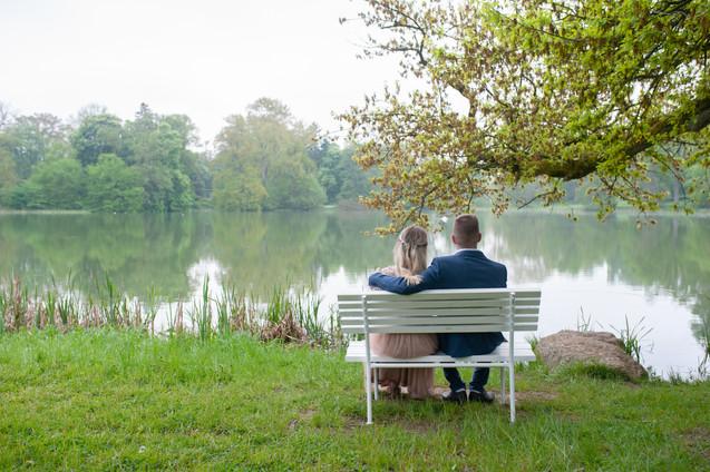 Brautpaar genießt die Ruhe
