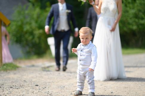 Kind Hochzeitsfeier