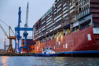 ausdocken MV Werft warnemuende