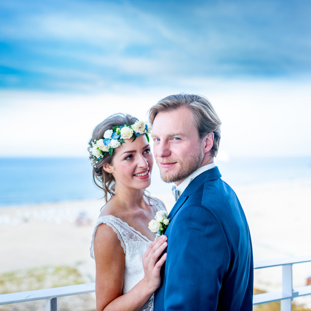 Brautpaar am Ostseestrand