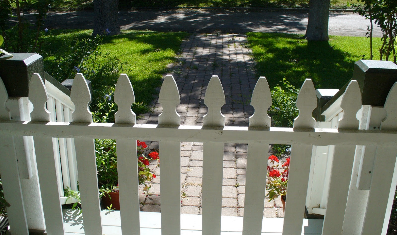 Porch closed with rolling gate