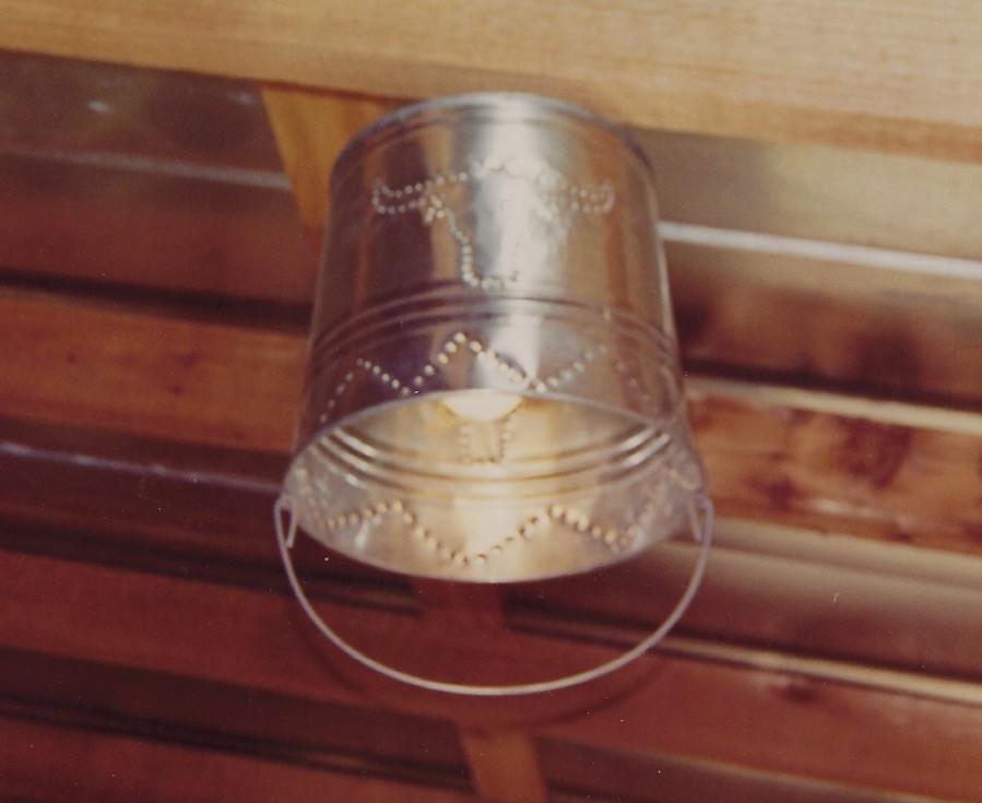 Bucket porch light