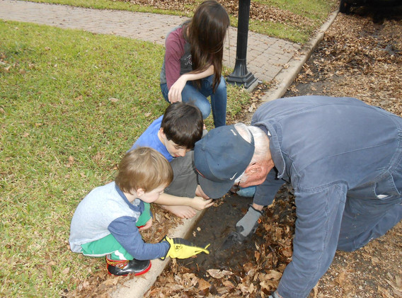 Rescuing earth worms with the Roeder great grands