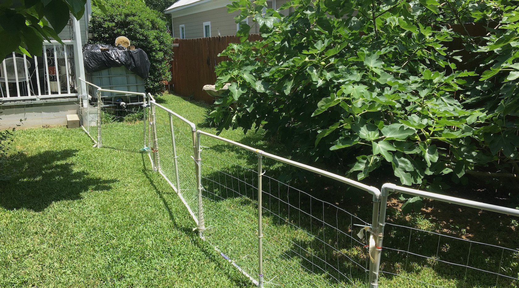 Portable fence panels out of PVC pipe