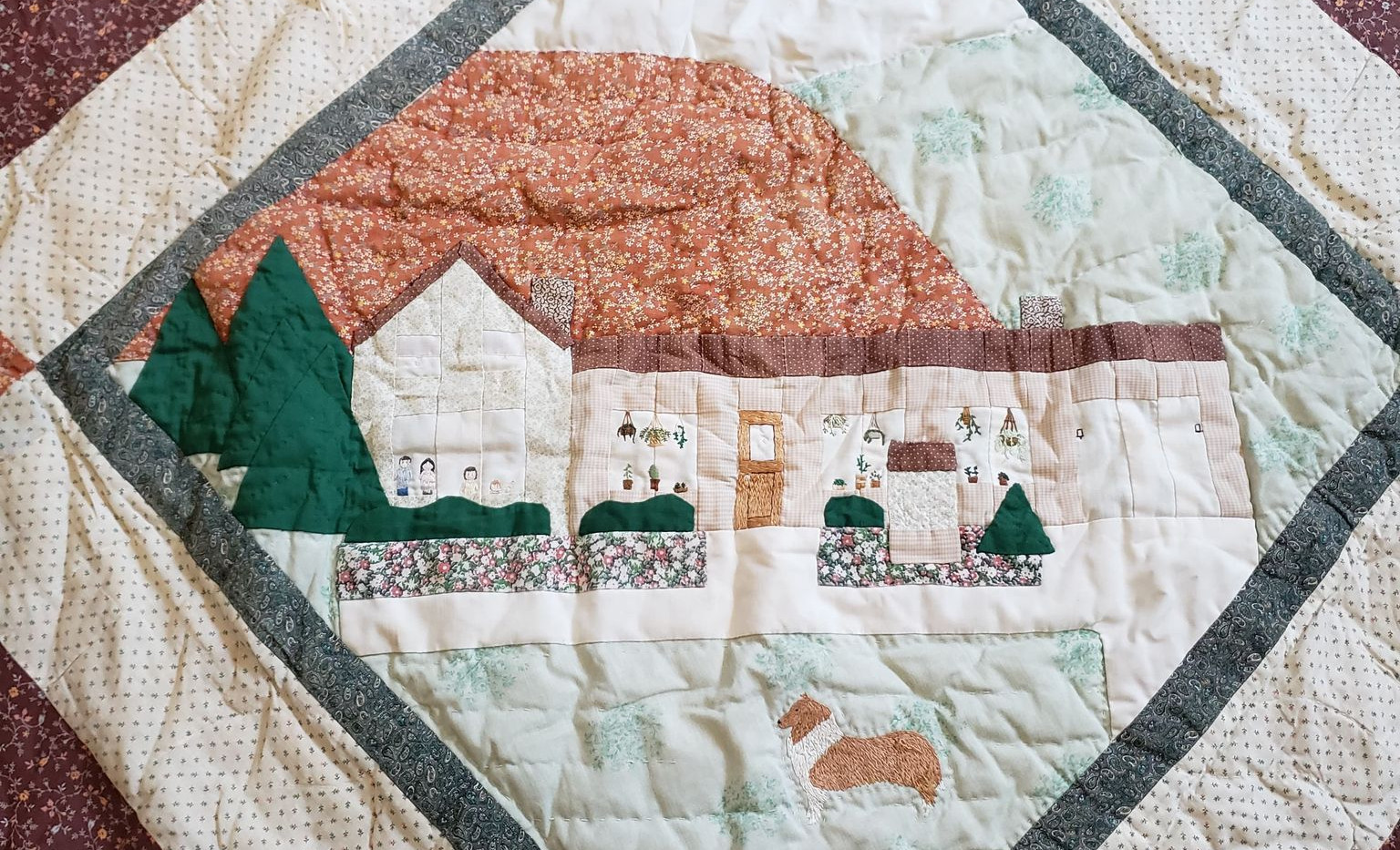 The center of Jean's first king sized quilt