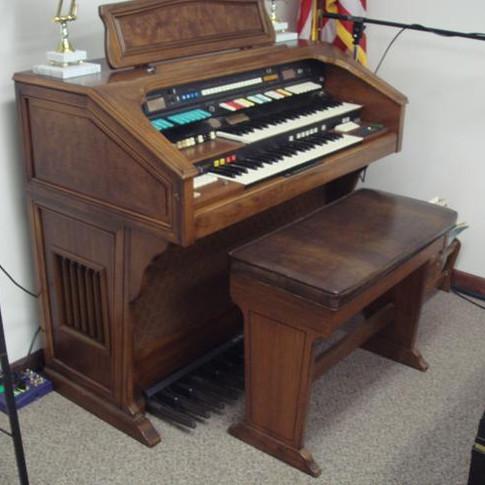 Hammond Aurora Classic Theatre Model Organ, Internal Leslie, ($300)