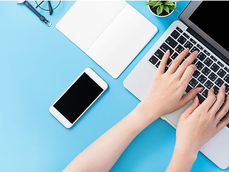 asian-student-surf-internet-for-job-hunt