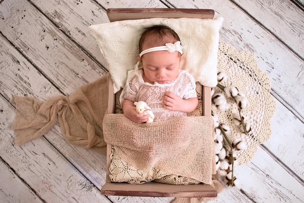 Mia-Newborn_8.jpg