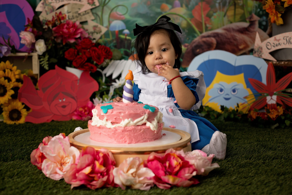 Olivia Cake Smash_40.jpg