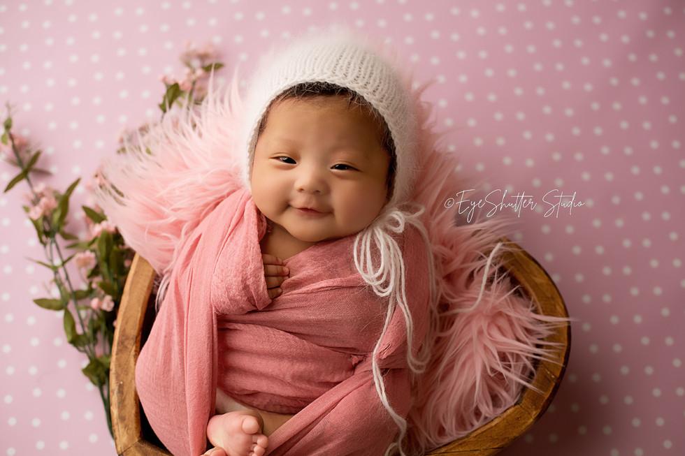 Mia-Newborn_2.jpg