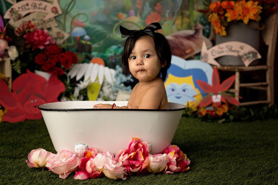 Olivia Cake Smash_56.jpg