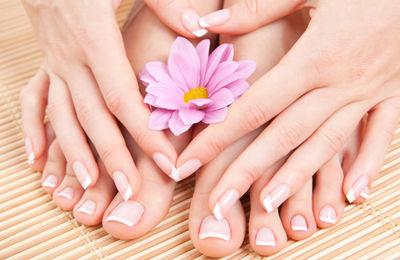 Luxurious manicure & pedicure
