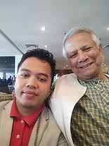 Nazirul Amin with Prof Mohd Yunus.jpg