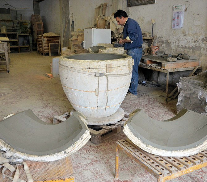 Removing Terracotta From Moulds