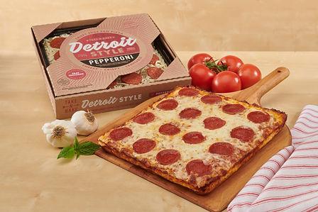 Pepperoni Pizza-060.jpg
