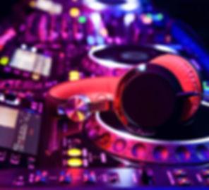 p-dj-mixer-vYMgRJRzUj-1.jpg