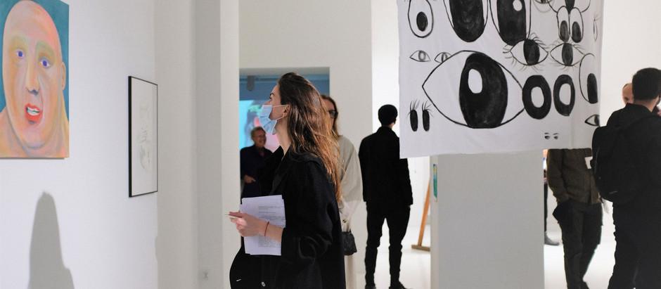 """fotorelacja z otwarcia wystawy """"Wzgórza mają oczy"""""""