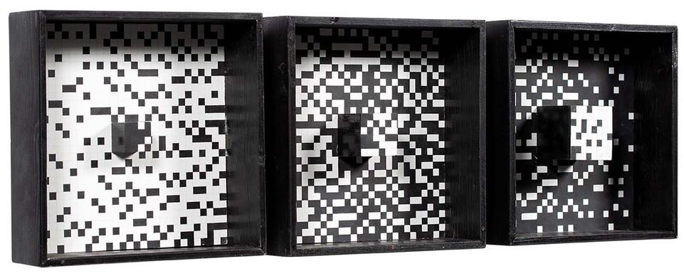 """Ryszard Winiarski, """"Series 2"""" (tryptyk), 1973 r., akryl/płyta pilśniowa, 30 x 30 cm (każdy), prywatna kolekcja"""