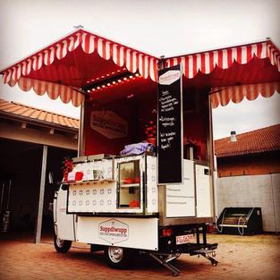 Über 60 Food Trucks