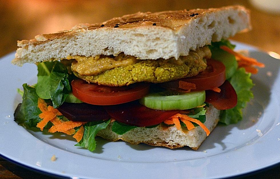 Sepp-in-Kairo-Falafel-Burger.jpg