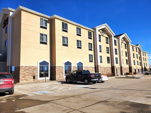 craig-hotel-exterior_edited.jpg