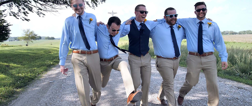 grooms and groomsmen portraits ideas