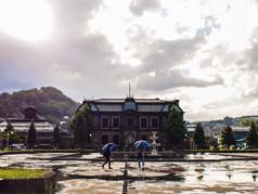 雨上がりの運河公園