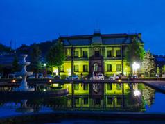 夜の運河公園