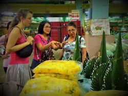 Bangkok-flower-market-tour (1).jpg