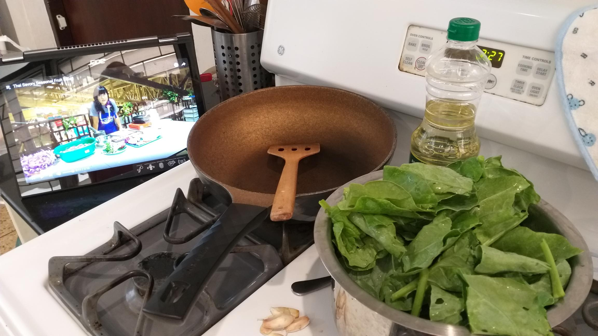 Cooking at home with online lesson