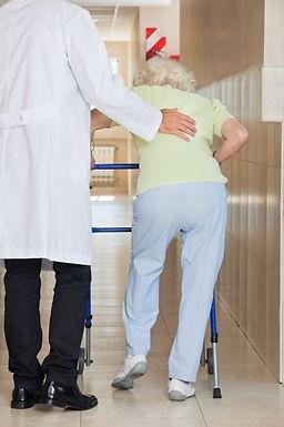 把握時機 及早治療中風後遺症