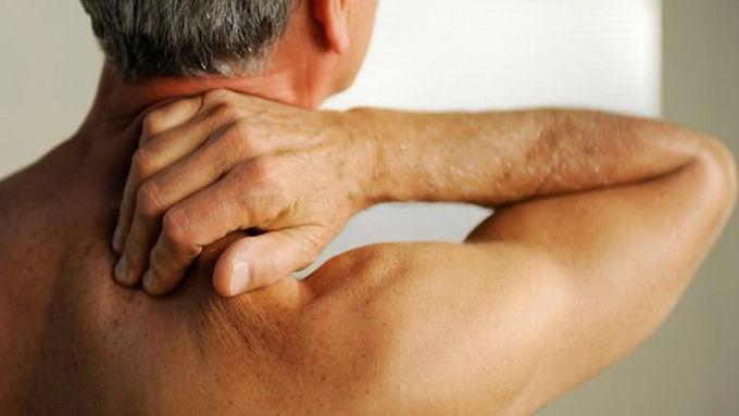 頸椎引起問題多,頭暈手痺皆有關