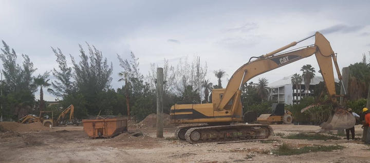 Removal of timber piles . . . #Timber #Piles #TimberPiles #CatExcovator #RobsonConstruction #Construction #CaymanIslands #FoundationPiling