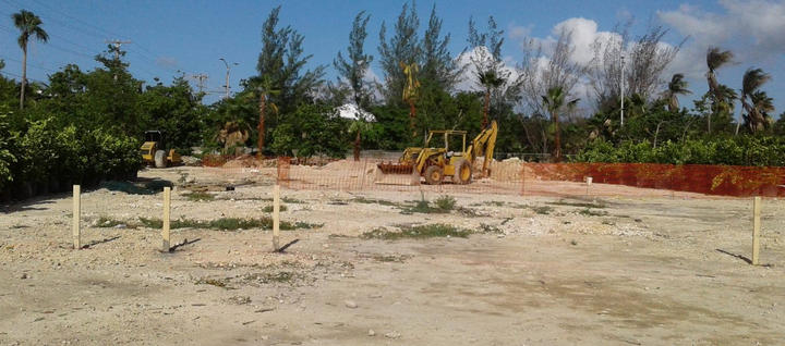 Setting out of the Project Site . . . #FuturePool #Batterboards #SiteSetUp #Construction #SevenMileBeach #WellnessGarden #RobsonConstruction