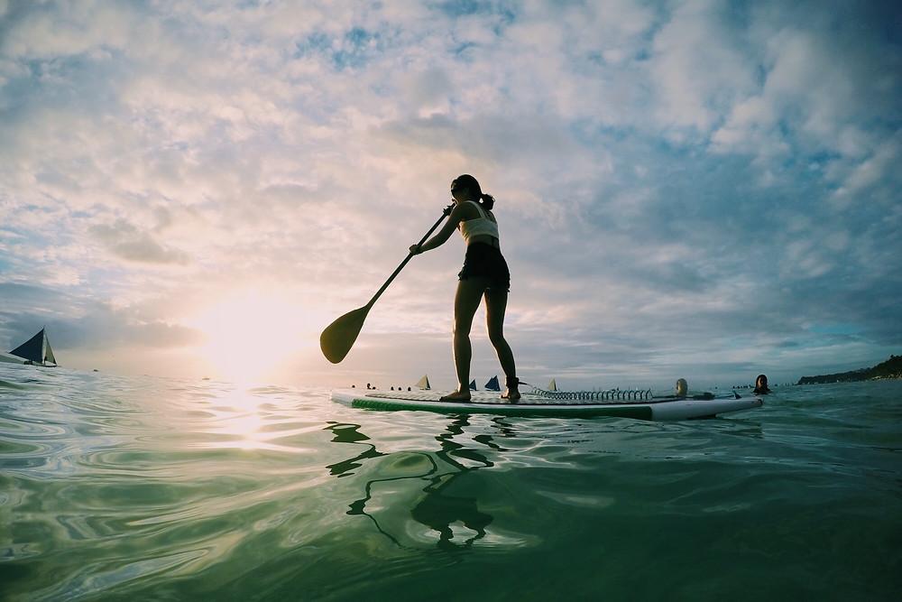El Paddle Surf no es tan fácil como se ve en las fotos, requiere mucho equilibrio y fuerza en las piernas.