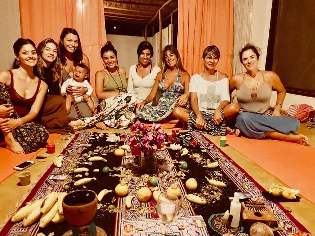 Círculo de mujeres en Máncora perú