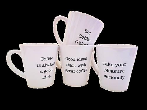 סדרת כוסות קפה עם משפטים
