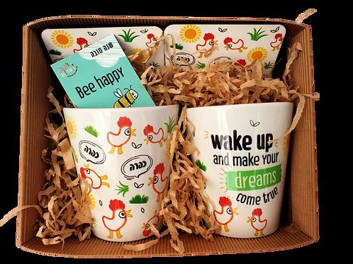 זוג תרנגולות - מתנה זוגית - סט ספלים ותחתיות