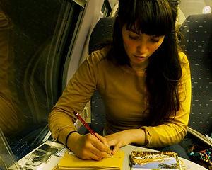 lieze schildert in trein vis.jpg