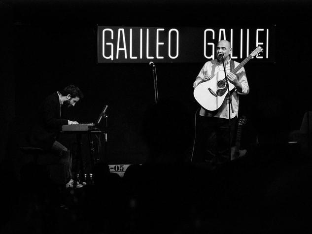 Tontxu en Galileo Galilei