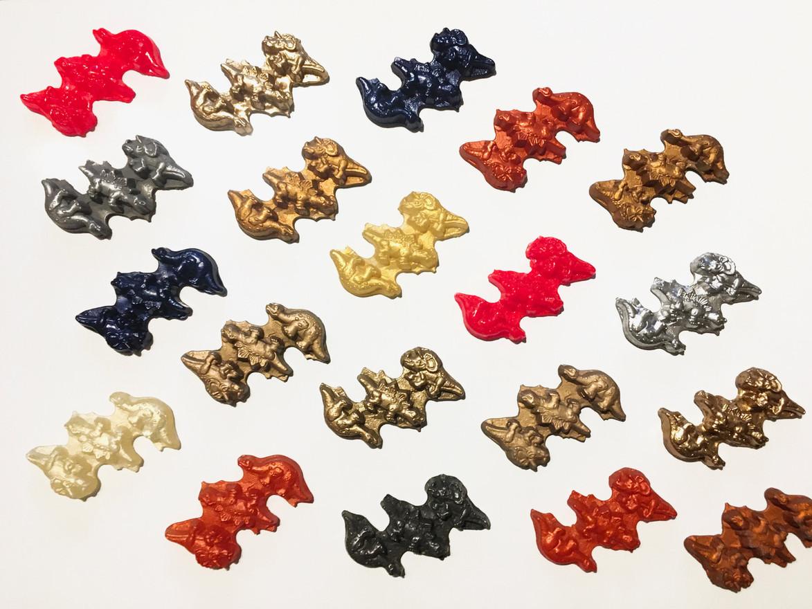 Dinosaur GROUP 3 (20 pieces) Synthetic resin, color pigment, chrome varnish, aluminum powder, liquid gold, copper powder 10 x 6 cm 2015