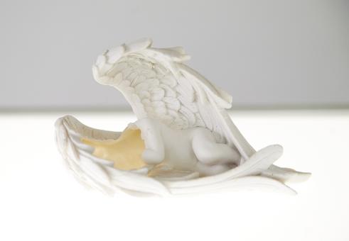 Engel (Angel)  6 cherubs, wood, plexiglass, fluorescent tube 135 x 120 x 25 cm 2012